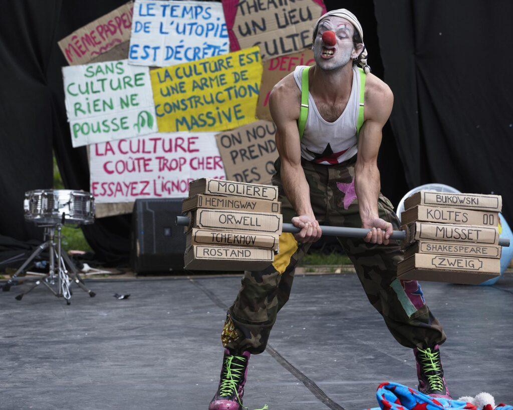 La Gargouille Les Cigales théâtre cirque clown chanson Quartiers en scène 2021 Bergerac Centre culturel Michel Manet Politique de la ville